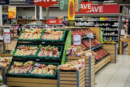 How to Save Money on Groceries - 15 Best Tips. Apply some or all of these tips and save hundreds of dollars a month on groceries. #groceries #savemoney #handfulofthoughts