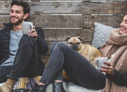 Why can't every weekend be a long weekend? Its amazing how much of a difference that extra day off makes. I love that long weekend feeling. Here are some benefits and drawbacks to long weekends as well as a list of all the upcoming long weekends to look forward to. #longweekend #longweekendvibes #handfulofthoughts