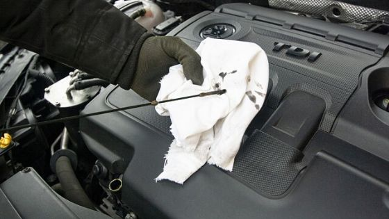 This month's money mistake relates to vehicle maintenance. If you own a vehicle you will want to read how you can avoid this mistake. #vehiclemaintenance #handfulofthoughts #moneymistake